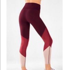 Fabletics 7/8 multicolor burgundy leggings!